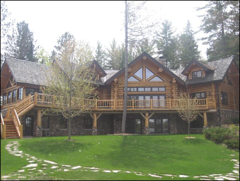 Luxury Log Home North Woods
