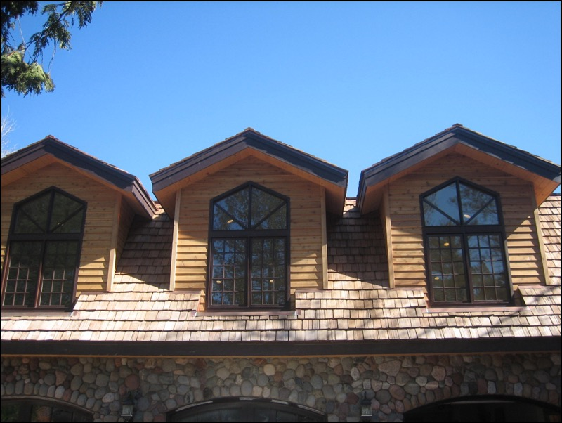 Luxury log home duluth mn anderson hammack construction for Best replacement windows for log homes