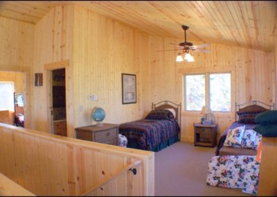 North Shore Log Home Guest Space