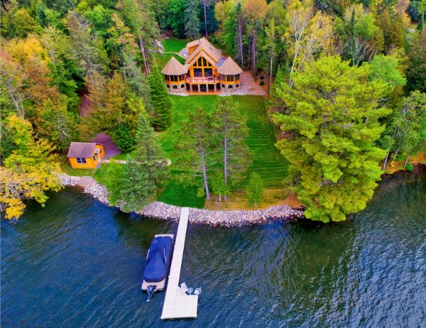 Log Cabin On Lake With Dock and Landing