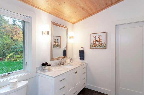 Simple Bathroom Remodel With Clean Lines